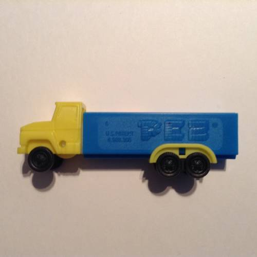 PEZ - Trucks - Series D - Cab #R1 - Yellow Cab - B